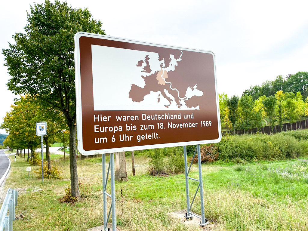 Ehemalige DDR Grenze an der B7 in Nordhessen